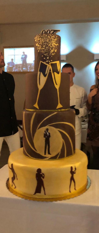 007 Cake